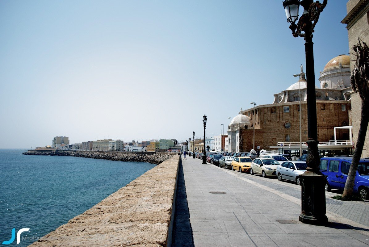 Cadiz by the sea photo
