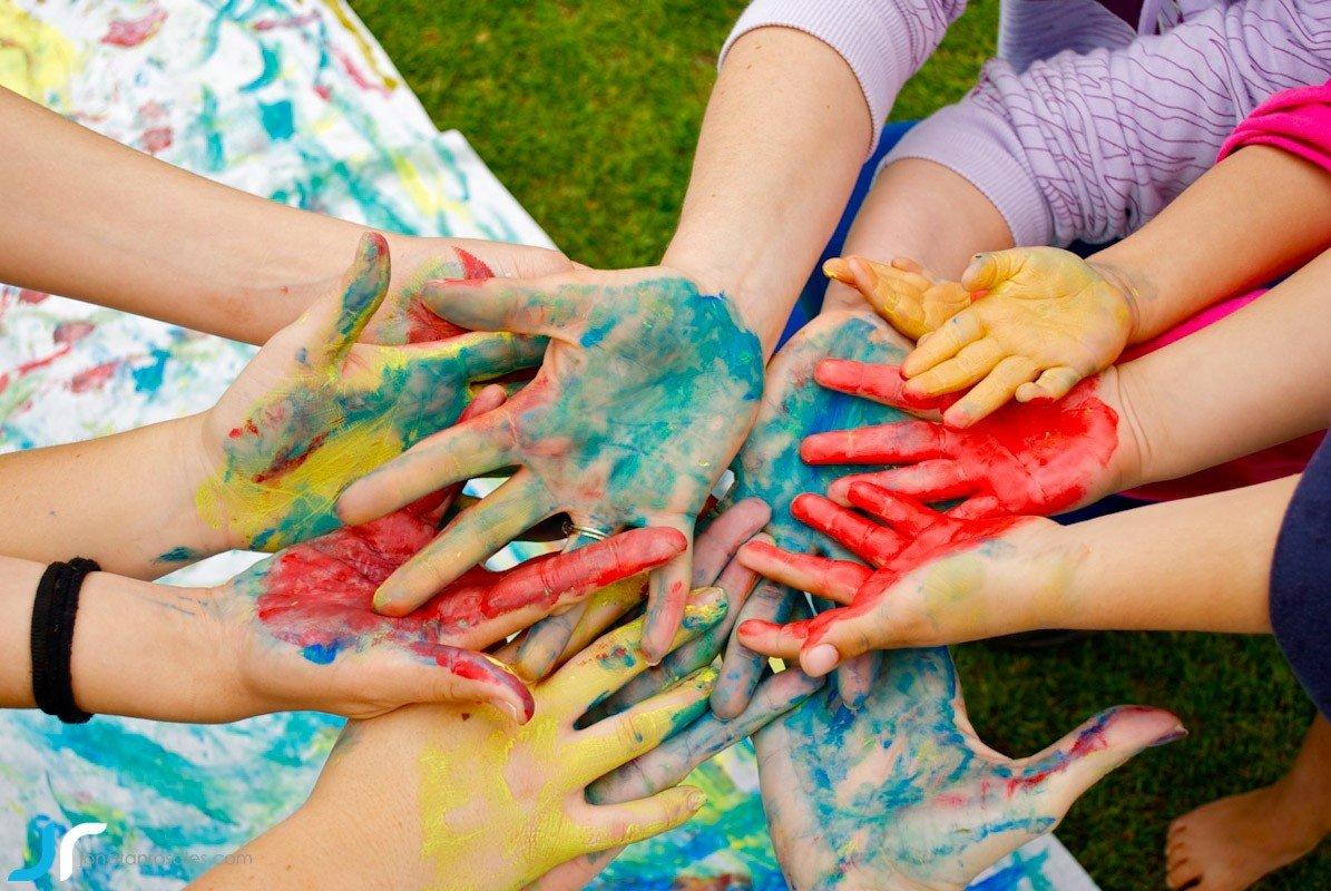 arte & vida hands painted bright photo