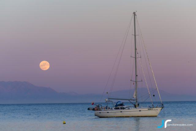 sunset boat Benalmadena