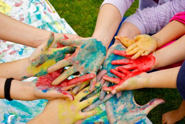 arte & vida hands painted bright